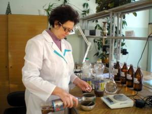 Отбор проб удобрений для выполнения анализов. Ведущий агрохимик‑Ометова Т.Г.