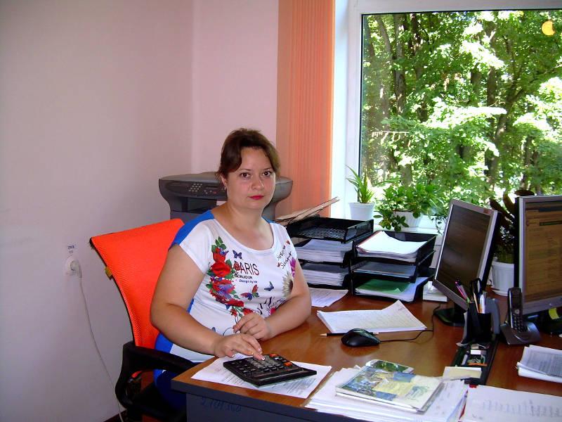 Сотрудник органа по сертификации Матвиенко Н.А. регистрирует декларации в едином реестре ФГИС Росаккредитации